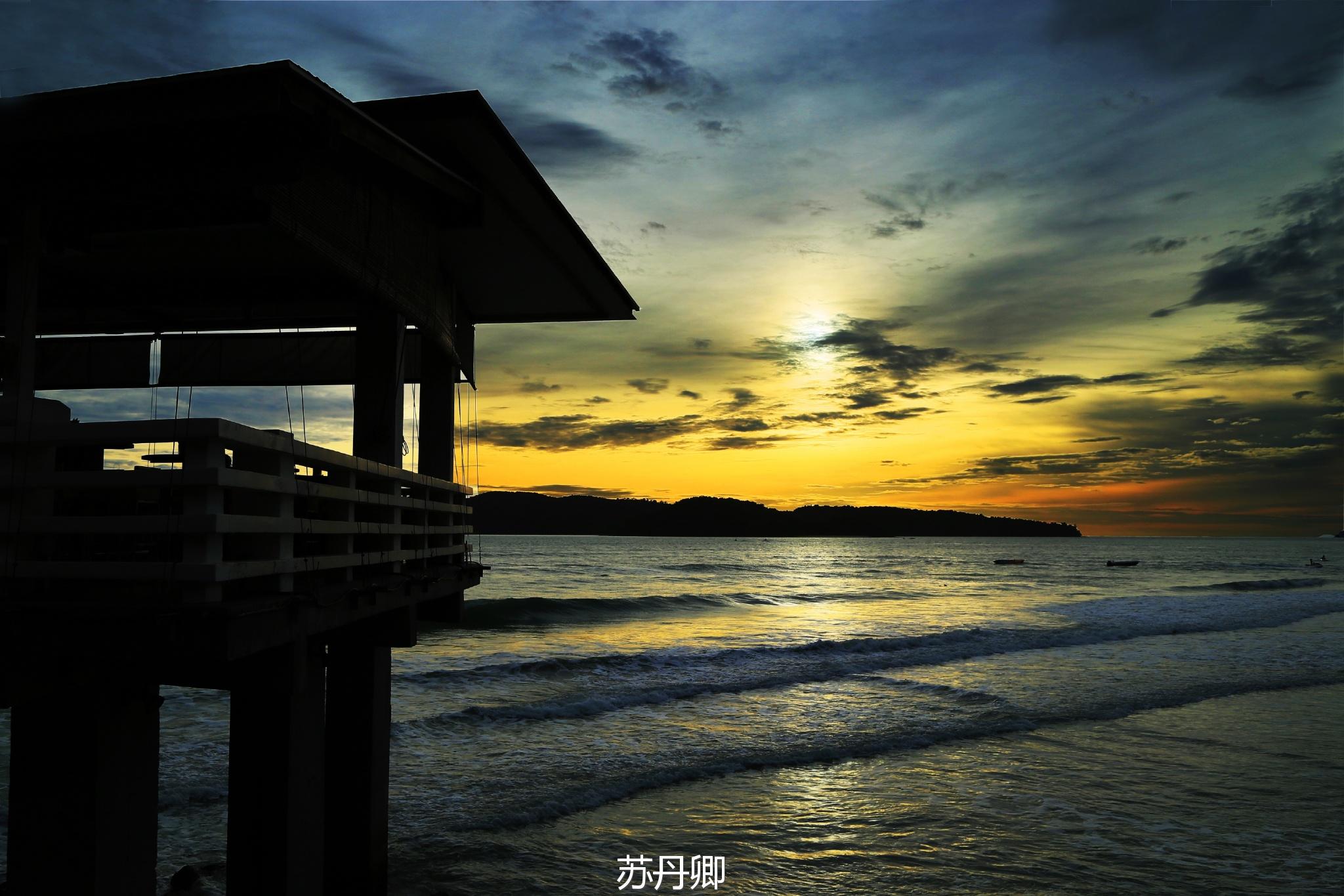 兰卡威最美珍南沙滩:天空之镜