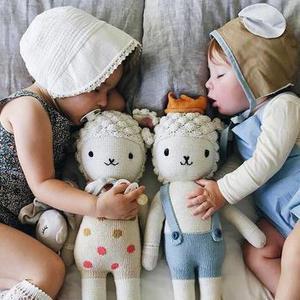 摄影妈妈用照片记录两个宝宝友爱日常