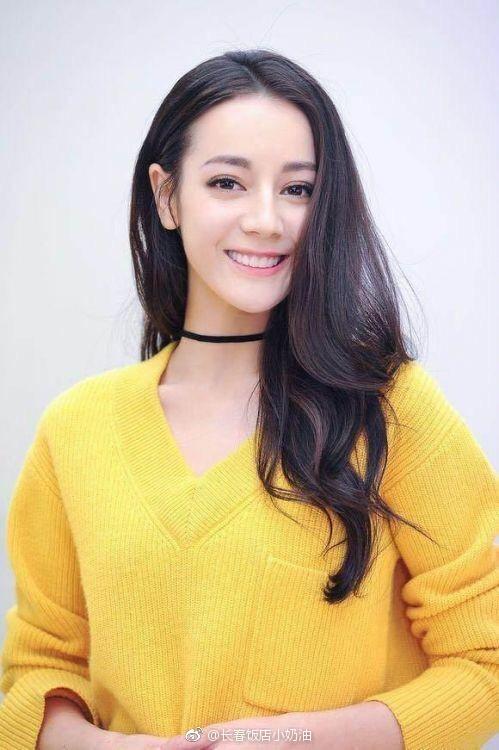 17岁迪丽热巴照片曝光,曾东北师范读预科