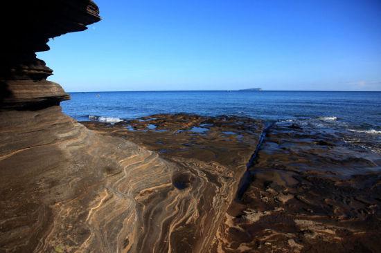 涠洲岛五彩滩上的岩石 图:新浪博主/极地狼