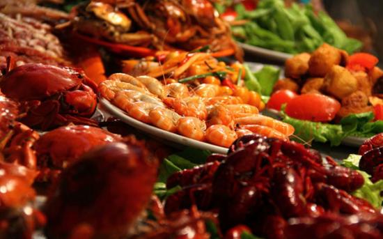 南宁中山路小吃街的美食 图:新浪博主/驻牙
