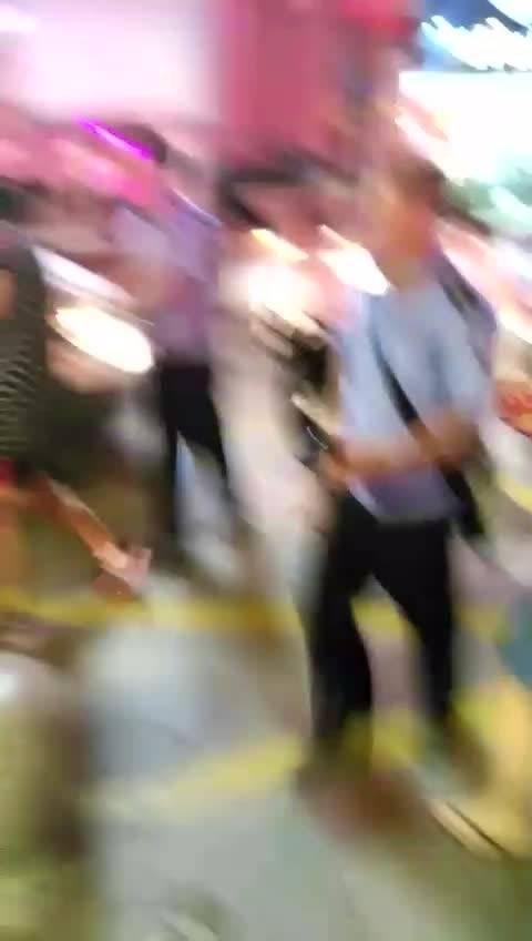 深圳沃尔玛超市发生砍人事件