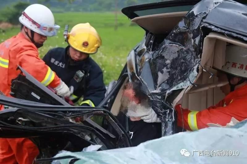 崇左大新:货车和小轿车迎面相撞2人死亡 1人受伤