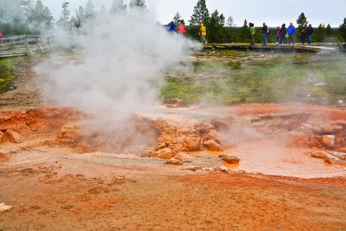 火山喷发形成的喷泉美爆了