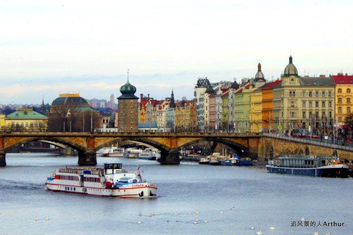 布拉格影集 伏尔塔瓦河的浪漫冬景