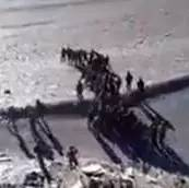中印士兵班公湖互掷石头 疑似现场视频曝光