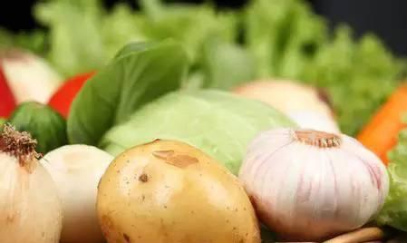圆白菜是天然养胃菜