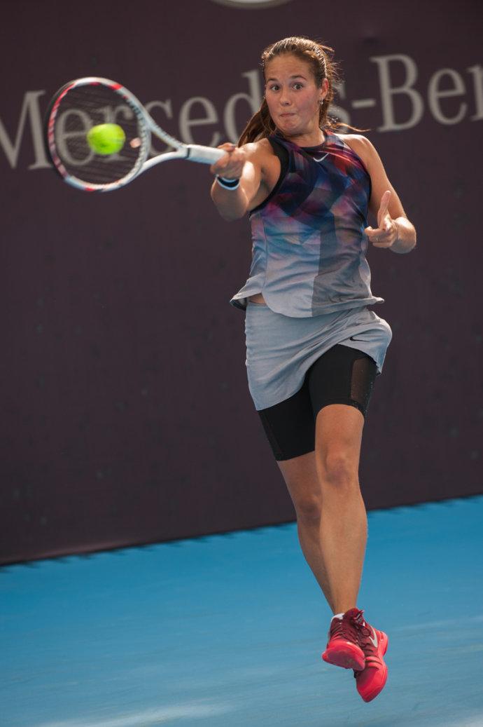 中网赛场美女变身表情包