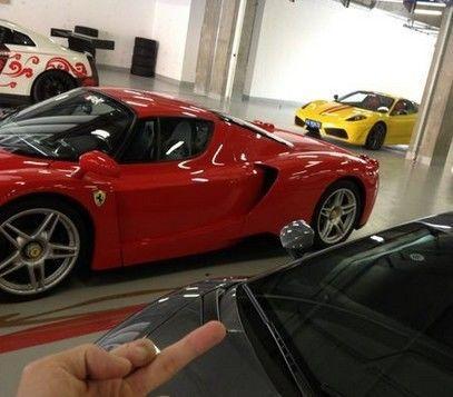 其父是百亿身家的富二代,连王思聪也想参观他的车库
