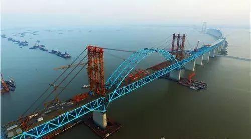沪通大桥天生港航道桥主拱合龙 2019年竣工