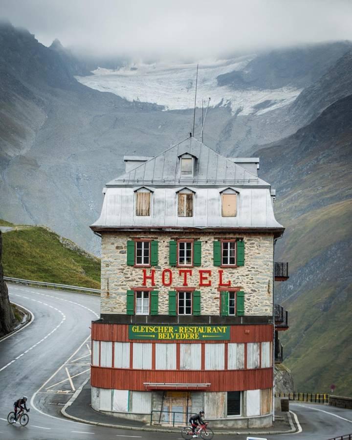 瑞士半山腰上的小旅馆