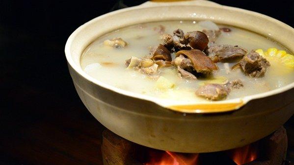 食在广州 | 大件事!龙虾与羊肉跨物种相爱啊!