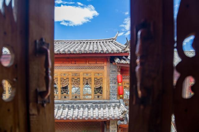 逃离梅雨天,在丽江触碰蓝天白云