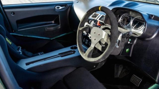 这台阿斯顿马丁27万,搭载4.7升V8动力,百公里4.2秒
