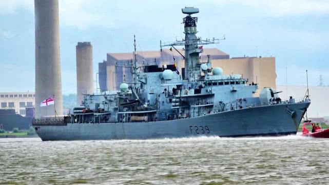 """东部战区新闻发言人就英国""""里士满""""号护卫舰过航台湾海峡发表谈话"""