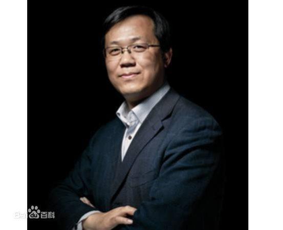 著名娱乐记者卓伟现身北京兰蔻兰黛集团 难道有大新闻?