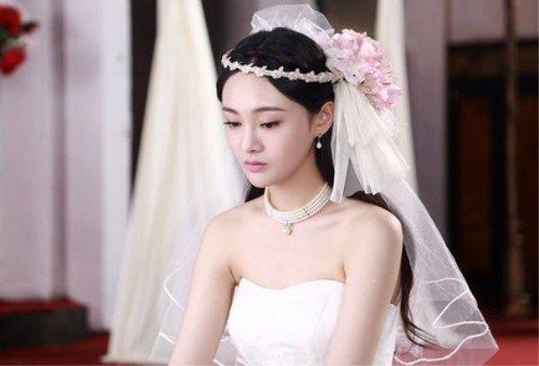 女星穿婚纱,杨紫可爱,颖宝似美人鱼,热巴排第三,第一
