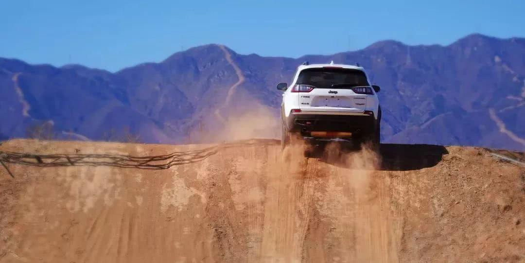 Jeep不忘本,全新自由光依靠实用性与越野性能上下围攻对手?