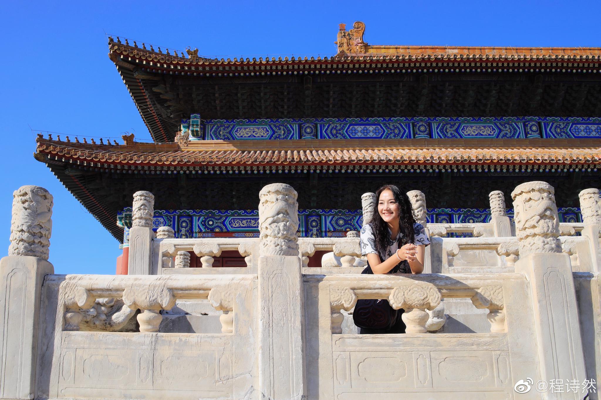 北京,太庙。 一转眼入秋,十月的天空灰蒙蒙的暗沉