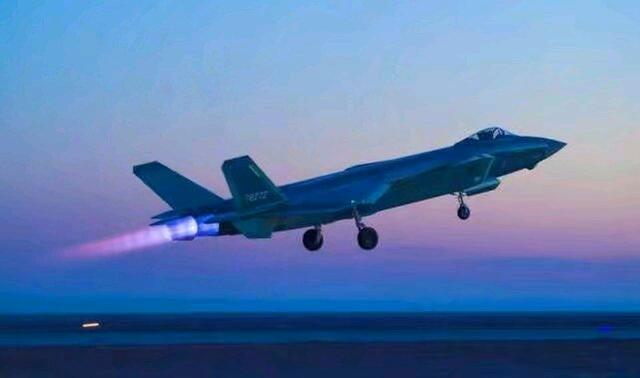 一款新型战机问世!标志中国空军进入最强之列?不是歼20
