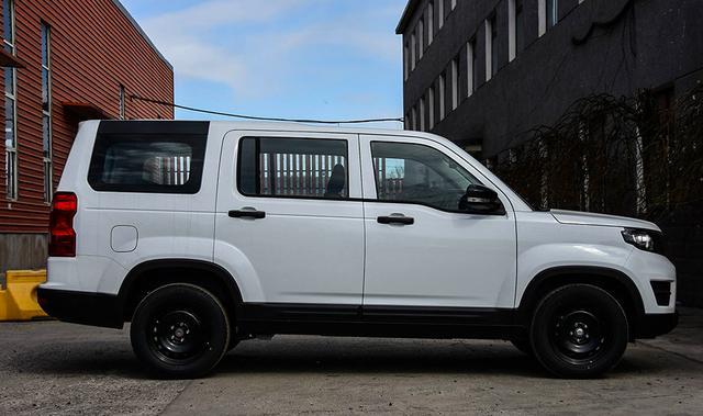 4万多就能买的SUV!外观硬朗,酷似路虎发现,能家用还能装货