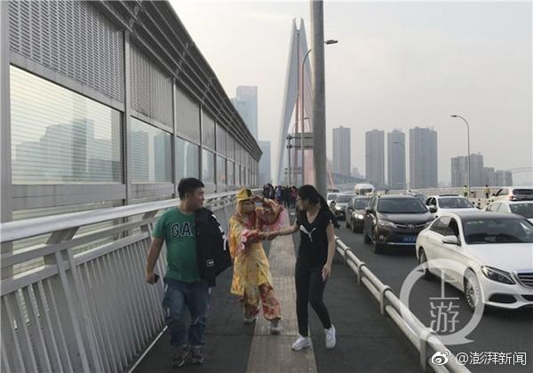 【大发真钱开户】瑞媒称中国游客事件或由中方故意导演 中使馆驳斥
