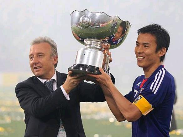 创造历史!日本球星成德甲第一中后卫 因退出国