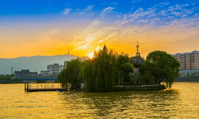 无锡黄埠墩 古运河上一座永不沉没的小岛