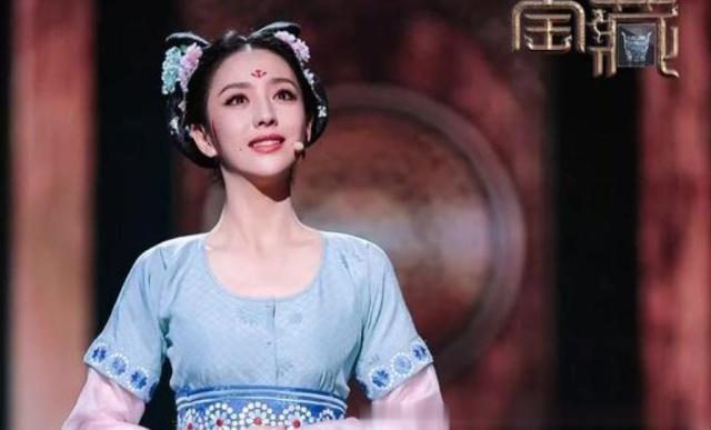 佟丽娅亮相国家宝藏,身穿古装如同画中仙子,网友 比刘亦菲还仙