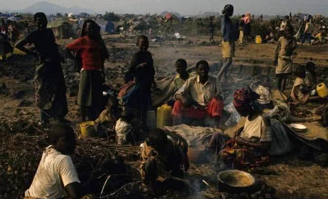 世界上最大的难民营,人最多的时候达到了50万,公共场所应有尽有