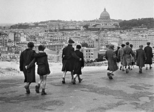 罗伯托·罗西里尼:身处历史变革中的大师