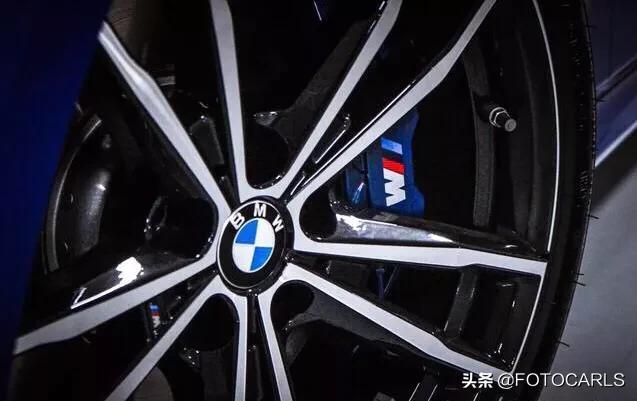 骚�yi��kΈ�_实拍|全新宝马330i m运动套装,造型紧凑更带感,蓝色很骚