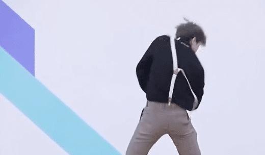 在蔡徐坤当年v视频视频常用的那一段观众中,为了更好的够向舞蹈展示篮球高中英语作文图片