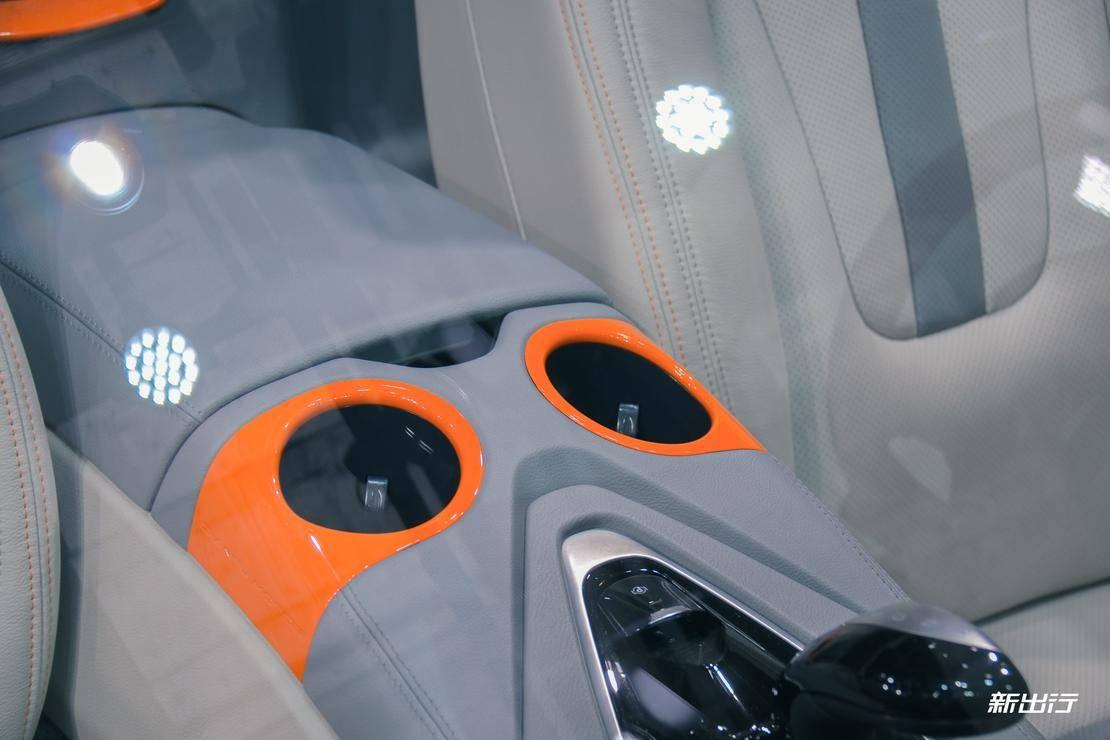 敞篷设计 + 个性化定制 前途 K50 Spyder Concept 实拍