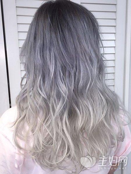 这8款头发颜色,2019年依旧很流行,还非常衬肤色白!