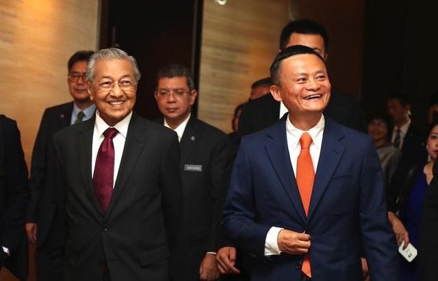 93岁的马来西亚总理到访阿里逗留两小时,他为何而来?