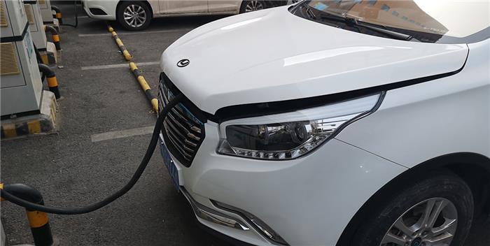 【大浪淘沙】漏油/续航不给力 华泰新能源xEV260车主调查