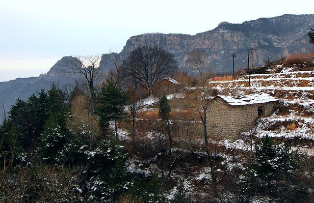 林州初雪,大垴石板房成为太行山最为靓丽的奇观图片
