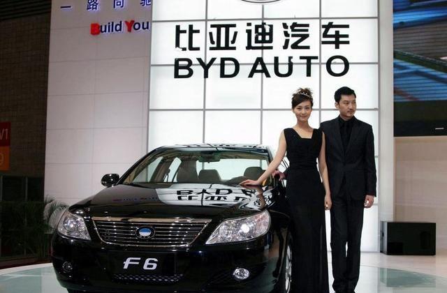 比亚迪F6马力猛低油耗,备受人们认可,可以买台自己开