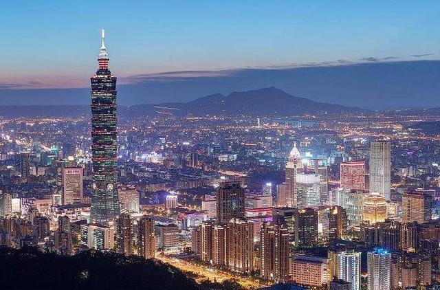 作为中国经济最强的城市,上海已经远超泰国,跟