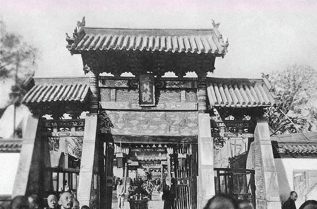 罕见珍藏老照片,原来以前老北京的牌楼是如此好看的