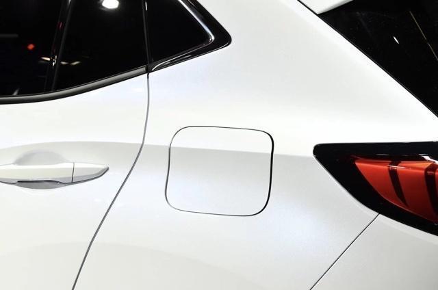 有它买啥Q5L?可变悬挂+真皮,油耗仅5L,满足国六排放,比X3更帅