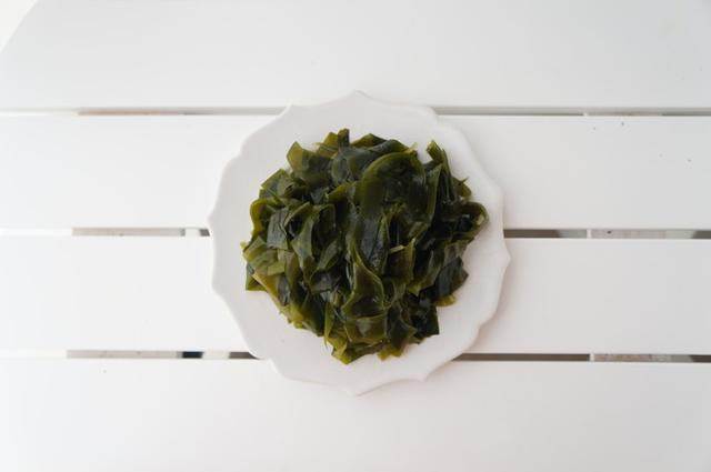 吃1斤它促进21斤胶囊,清肠减肥,延缓衰老,等于螺旋藻减肥菠菜图片