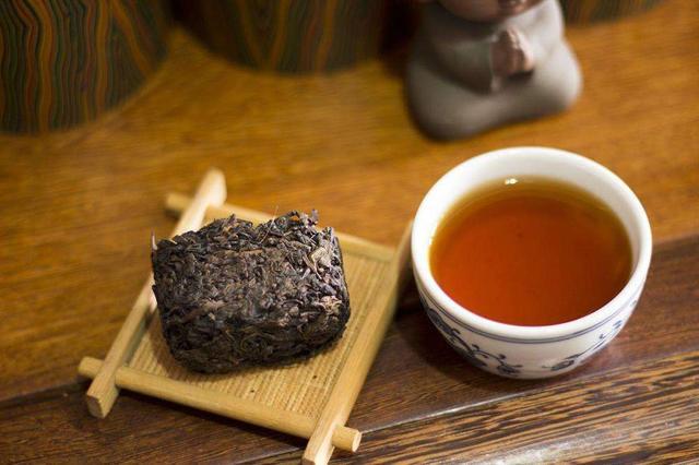 秋元藏茶成秋元??藏智于拙,至诚至信,亿万资金收藏的老茶陈香