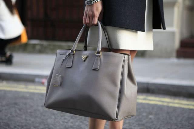 人生中第一个名牌包包怎样买?这七款名牌包必须得考虑