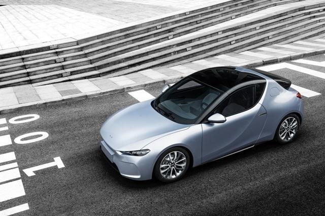 前途汽车一次推出三大平台、五款车型 颜值都不低