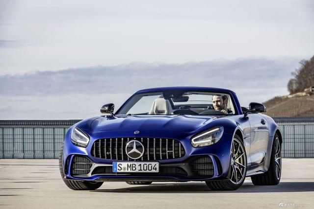 蓝色幽灵敞篷跑车,Mercedes-AMG GT R