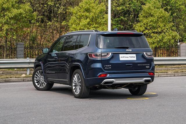 大家庭出游买什么车,看这四款大七座SUV就够了!