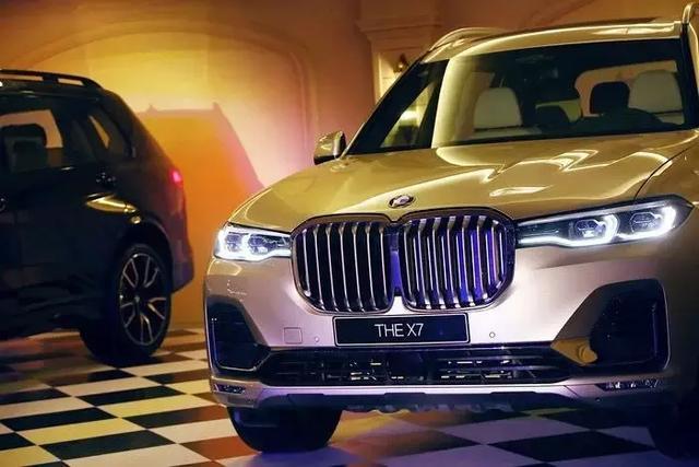 BMW X7售100万元起,BMW正式开启大型豪华车之年
