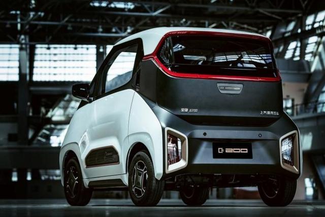 国产又一代步神器!比奔驰smart个性,续航达210km,仅售5万